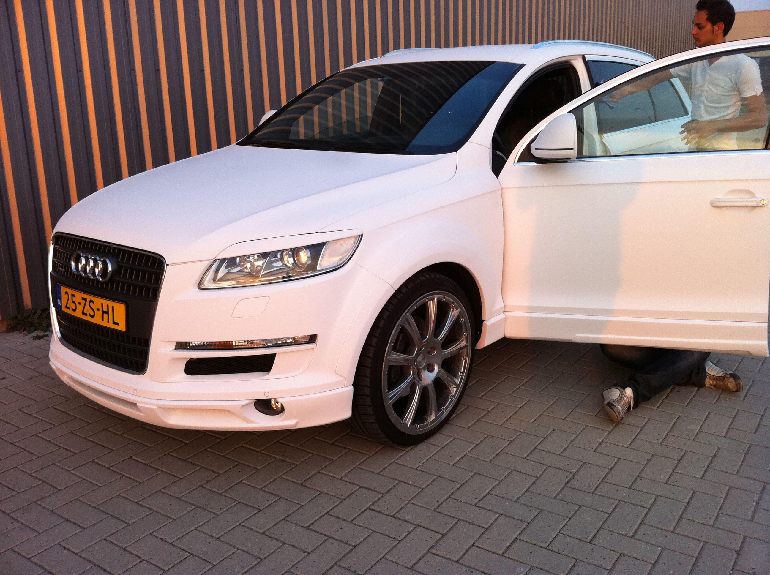 Audi Q7 met Mat Witte Wrap, Carwrapping door Wrapmyride.nu Foto-nr:4916, ©2021