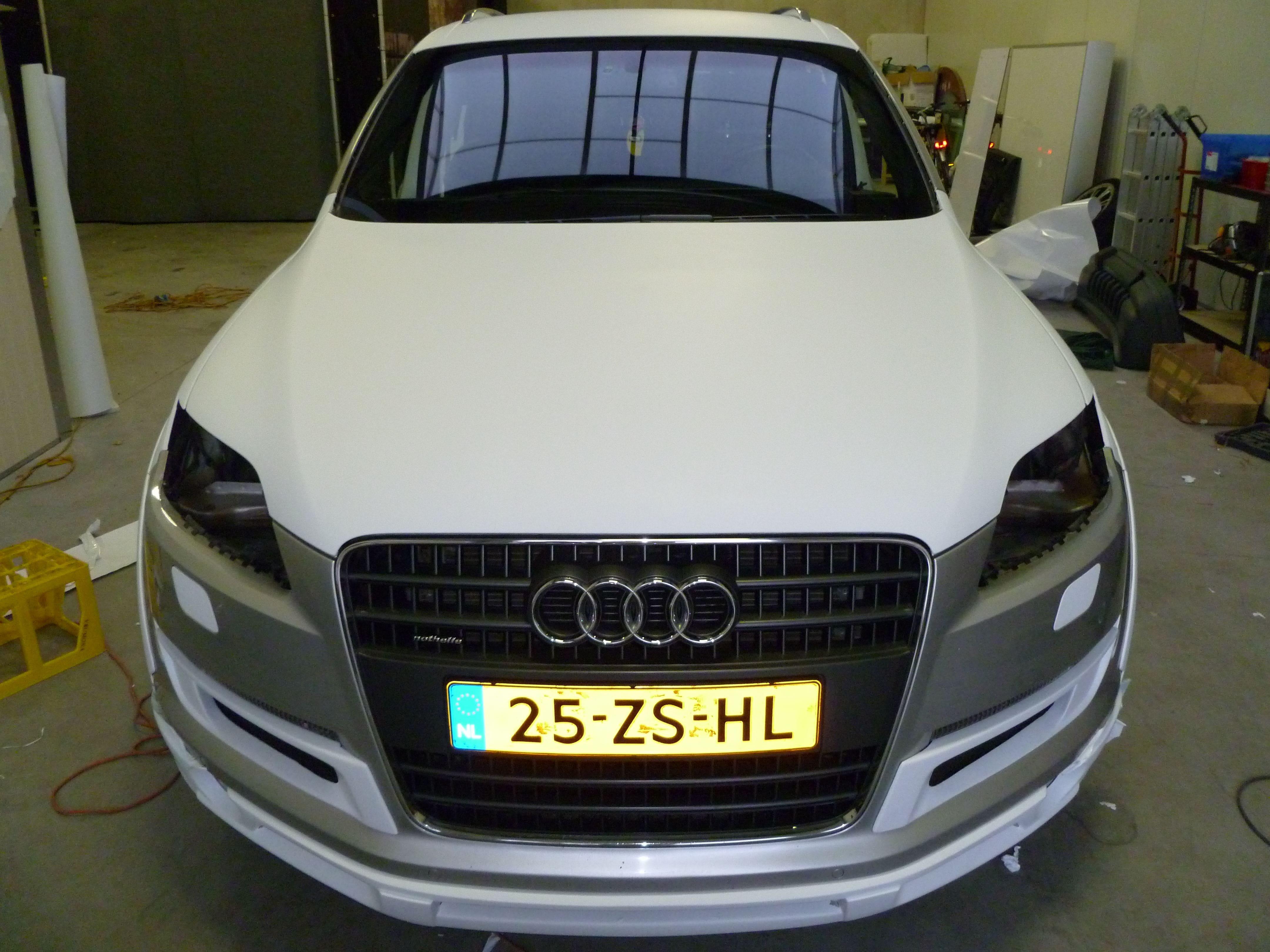 Audi Q7 met Mat Witte Wrap, Carwrapping door Wrapmyride.nu Foto-nr:4996, ©2021