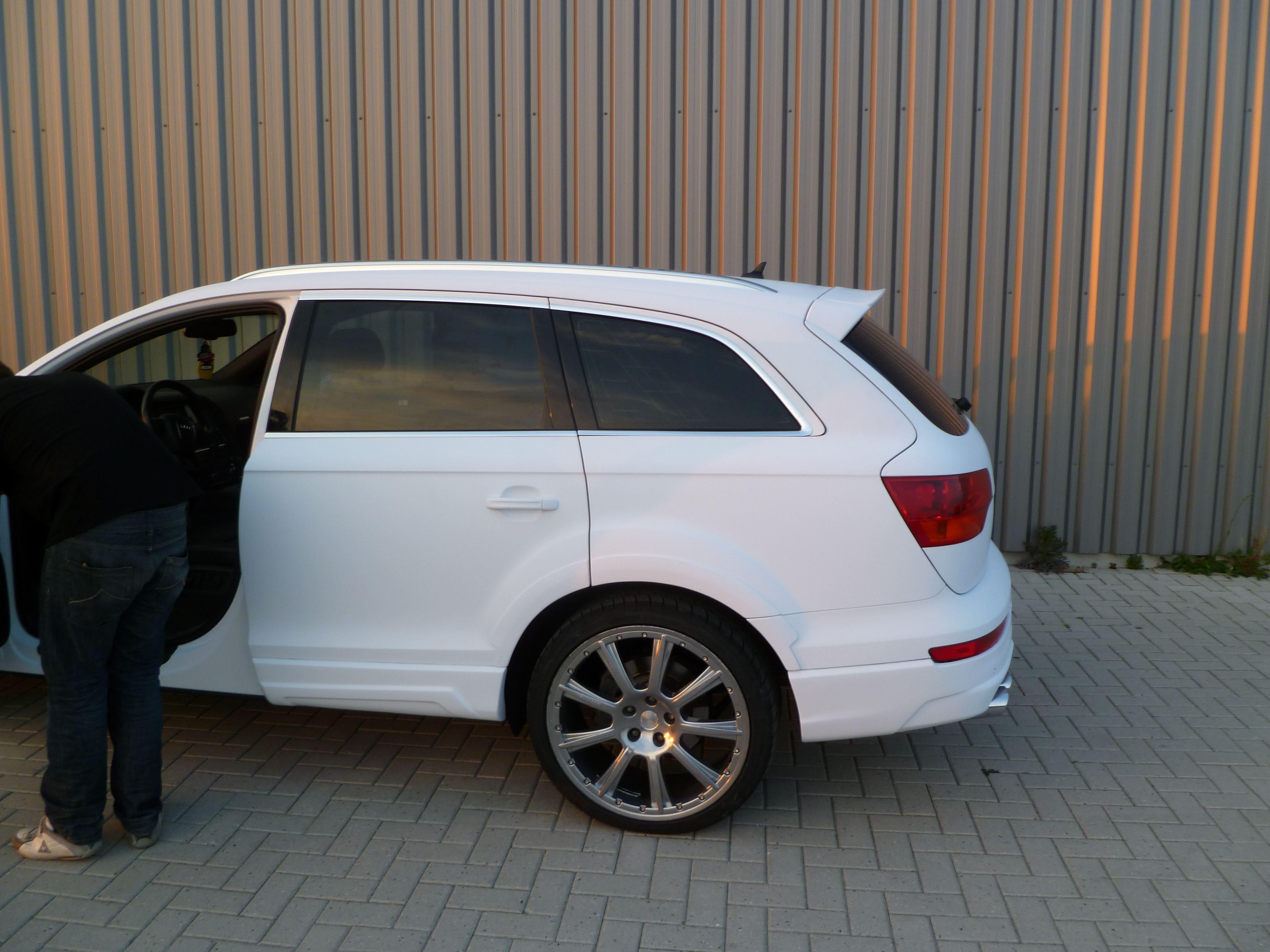 Audi Q7 met Mat Witte Wrap, Carwrapping door Wrapmyride.nu Foto-nr:5033, ©2021