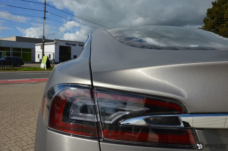 Tesla Model S brushed titanium, Carwrapping door Wrapmyride.nu Foto-nr:9109, ©2018