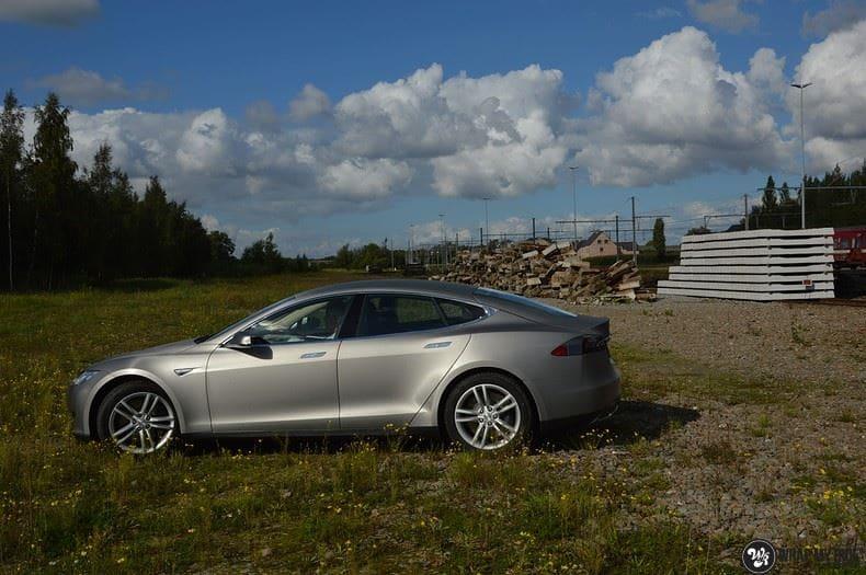 Tesla model S, Carwrapping door Wrapmyride.nu Foto-nr:8941, ©2020