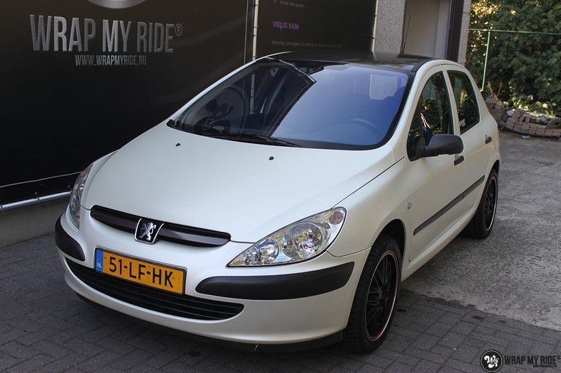Peugeot 307 3m satin white pearl, Carwrapping door Wrapmyride.nu Foto-nr:11700, ©2020