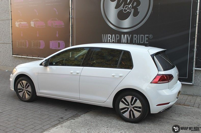 vw e-golf 3m glosse white gold sparkle, Carwrapping door Wrapmyride.nu Foto-nr:11734, ©2020