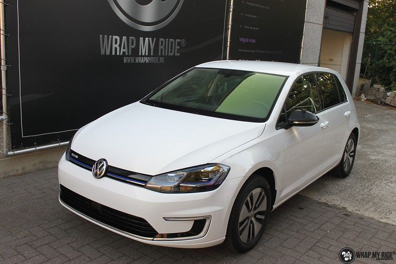 vw e-golf 3m glosse white gold sparkle, Carwrapping door Wrapmyride.nu Foto-nr:11733, ©2020