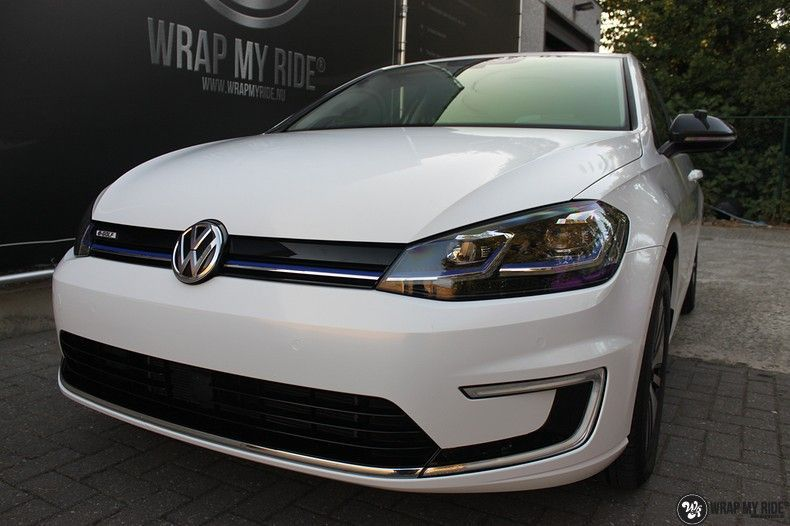 vw e-golf 3m glosse white gold sparkle, Carwrapping door Wrapmyride.nu Foto-nr:11731, ©2020