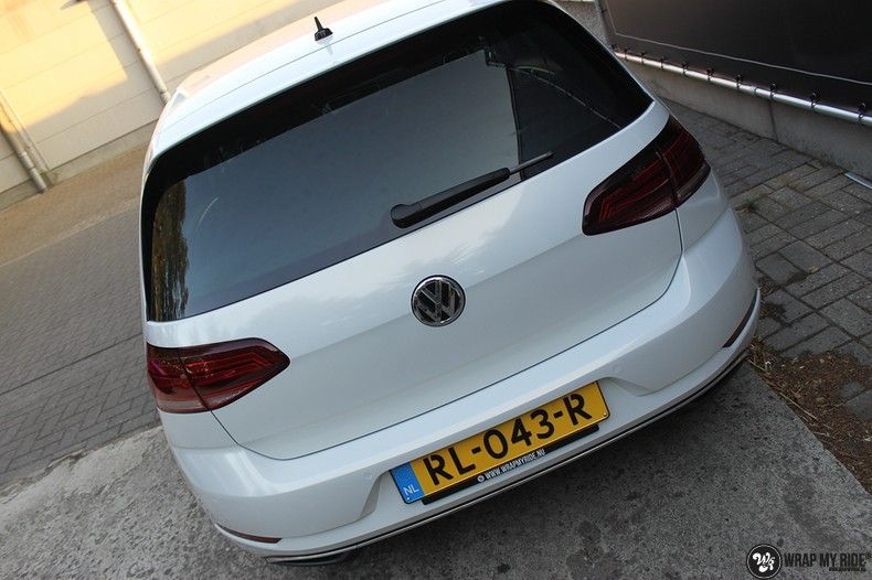 vw e-golf 3m glosse white gold sparkle, Carwrapping door Wrapmyride.nu Foto-nr:11727, ©2020