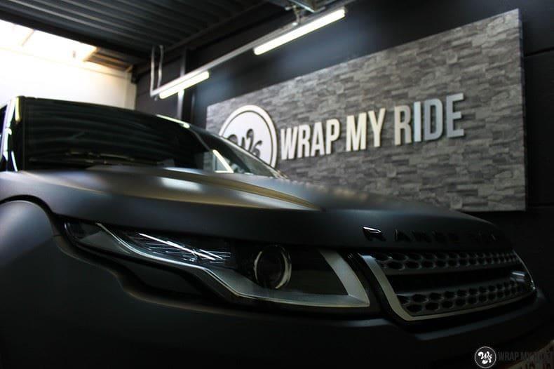 Range Rover Evoque 2016 mat  zwart Deltaworx, Carwrapping door Wrapmyride.nu Foto-nr:8768, ©2020