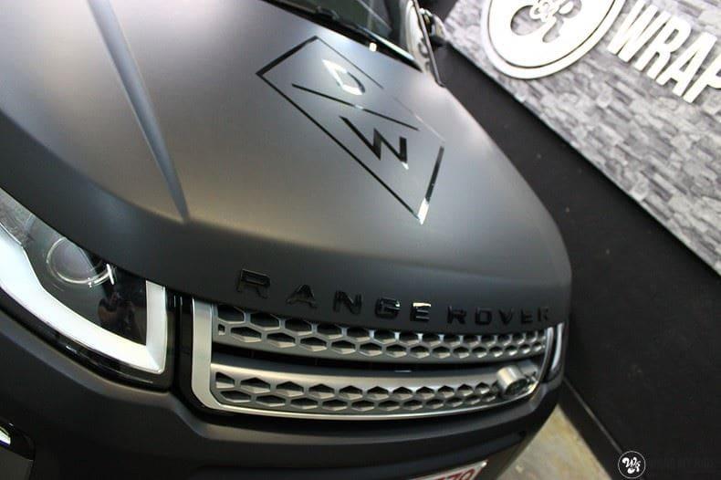 Range Rover Evoque 2016 mat  zwart Deltaworx, Carwrapping door Wrapmyride.nu Foto-nr:8746, ©2020