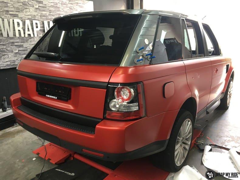Range Rover Sport in Smoldering Satin Red, Carwrapping door Wrapmyride.nu Foto-nr:10326, ©2020