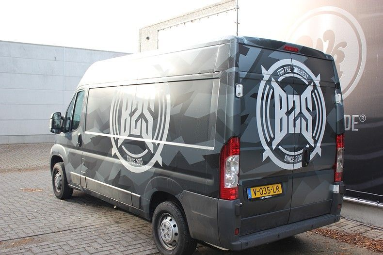 B2S CAMO wrap for the toughest, Carwrapping door Wrapmyride.nu Foto-nr:12400, ©2020