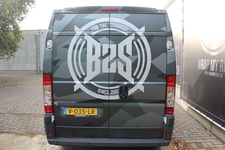 B2S CAMO wrap for the toughest, Carwrapping door Wrapmyride.nu Foto-nr:12397, ©2021
