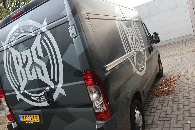 B2S CAMO wrap for the toughest, Carwrapping door Wrapmyride.nu Foto-nr:12396, ©2020