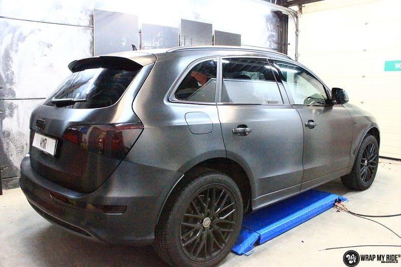 Audi Q5 Brushed black, Carwrapping door Wrapmyride.nu Foto-nr:8386, ©2020