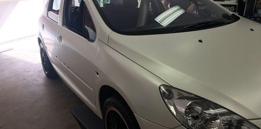 Peugeot 307 3m satin white pearl