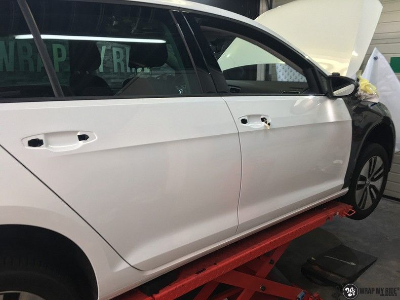 vw e-golf 3m glosse white gold sparkle, Carwrapping door Wrapmyride.nu Foto-nr:11753, ©2020