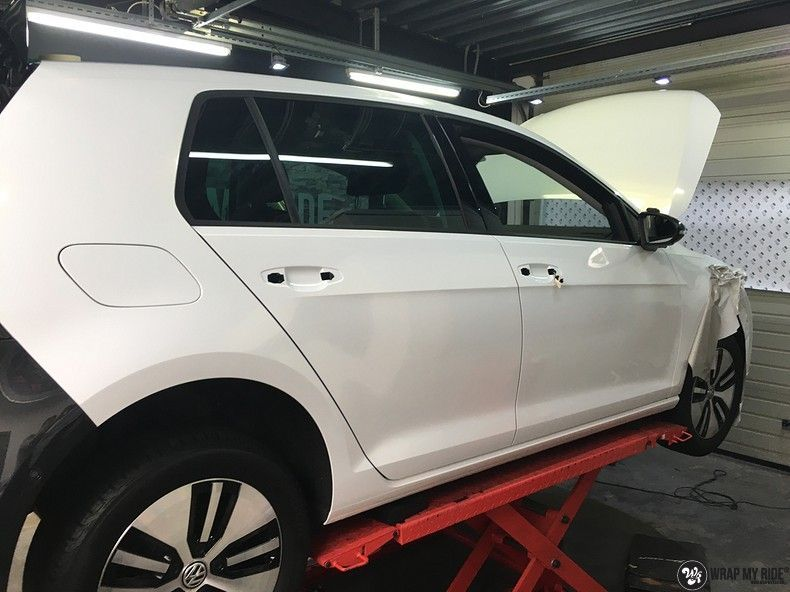 vw e-golf 3m glosse white gold sparkle, Carwrapping door Wrapmyride.nu Foto-nr:11744, ©2020