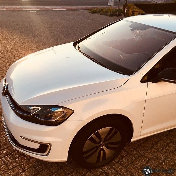 vw e-golf 3m glosse white gold sparkle, Carwrapping door Wrapmyride.nu Foto-nr:11735, ©2020