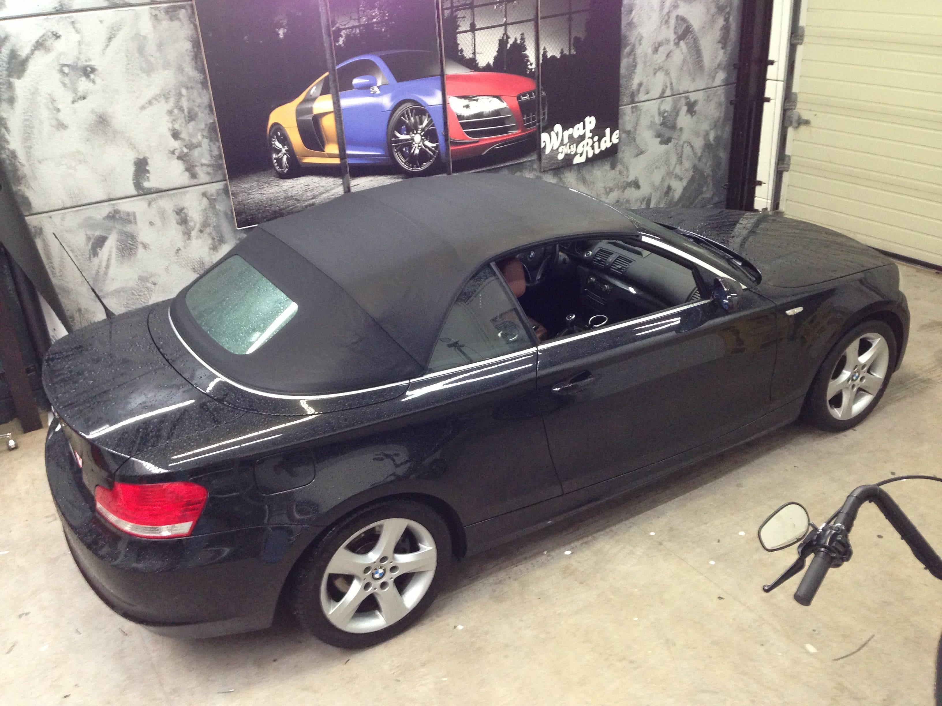 BMW 1 Serie Cabrio met Mat Zwarte Wrap, Carwrapping door Wrapmyride.nu Foto-nr:5187, ©2021