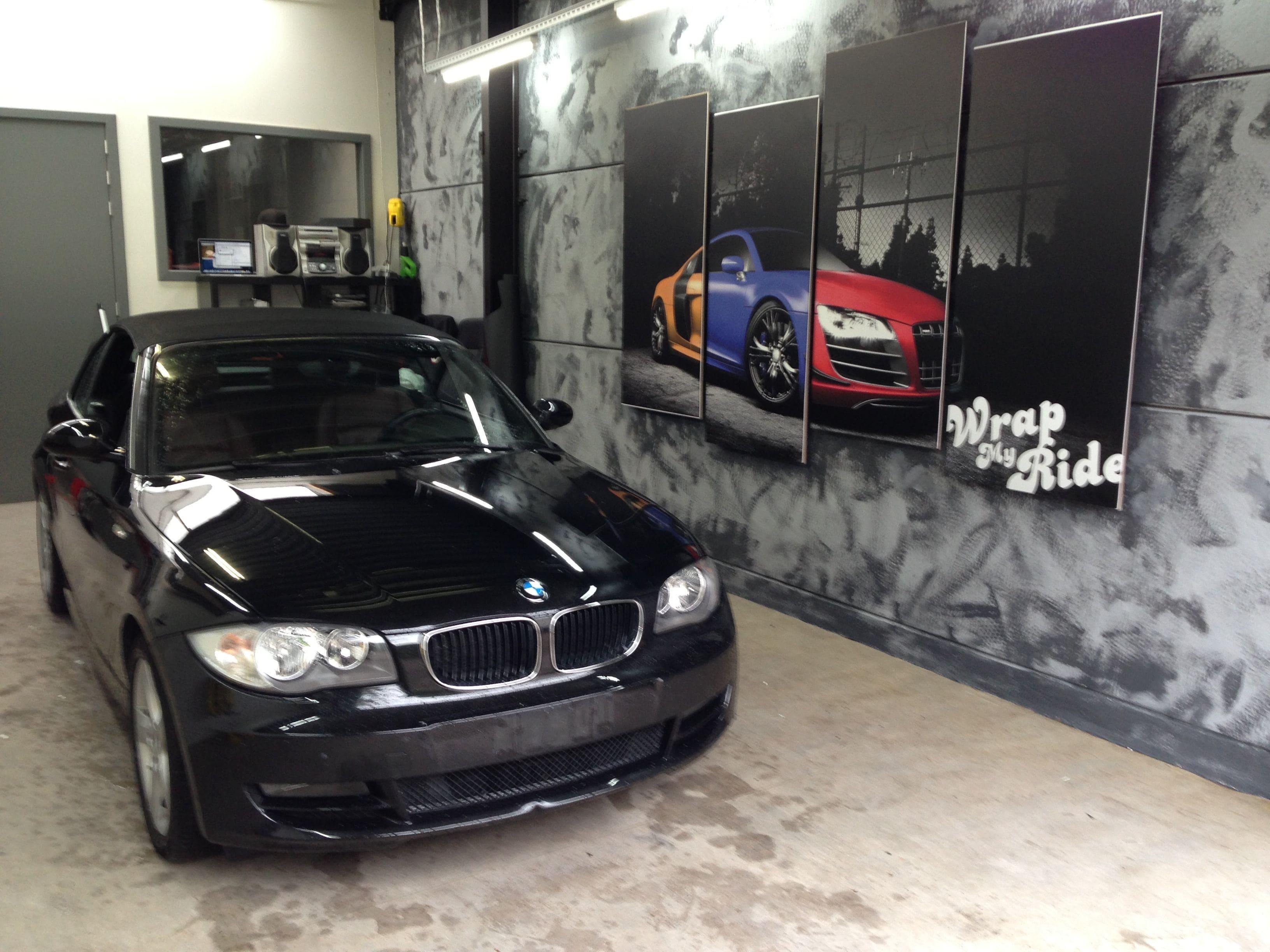 BMW 1 Serie Cabrio met Mat Zwarte Wrap, Carwrapping door Wrapmyride.nu Foto-nr:5188, ©2021