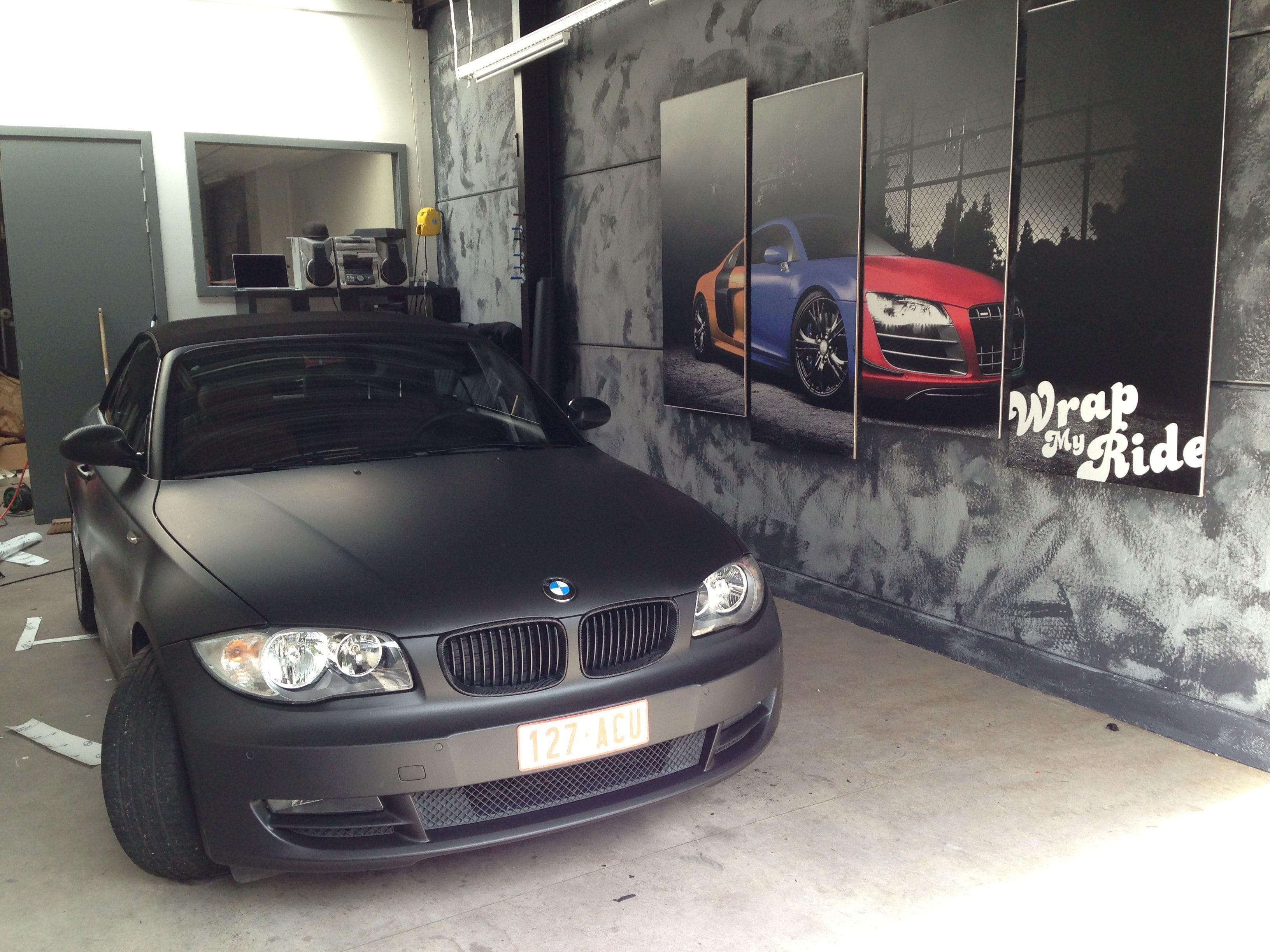 BMW 1 Serie Cabrio met Mat Zwarte Wrap, Carwrapping door Wrapmyride.nu Foto-nr:5189, ©2021