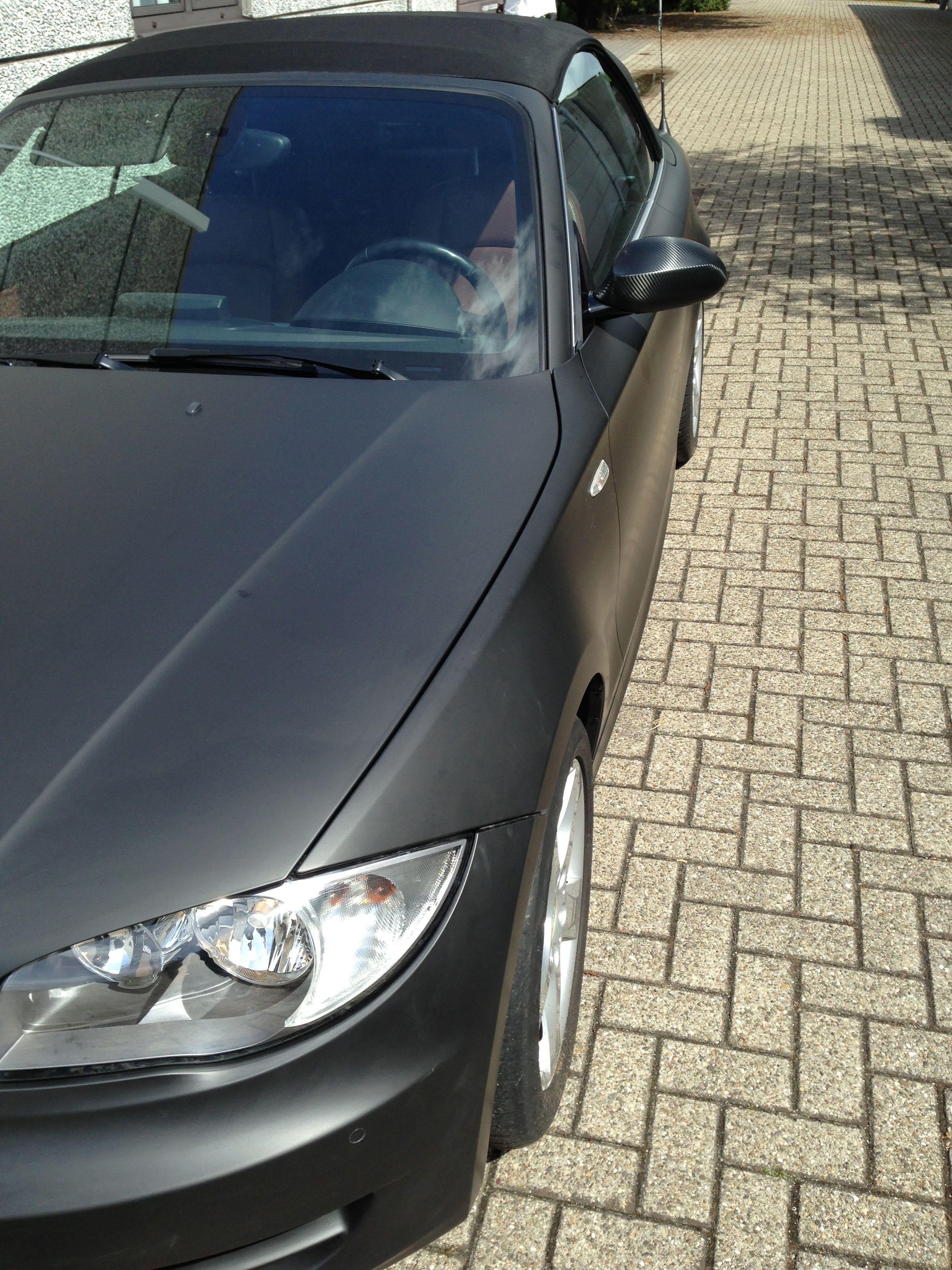 BMW 1 Serie Cabrio met Mat Zwarte Wrap, Carwrapping door Wrapmyride.nu Foto-nr:5192, ©2021