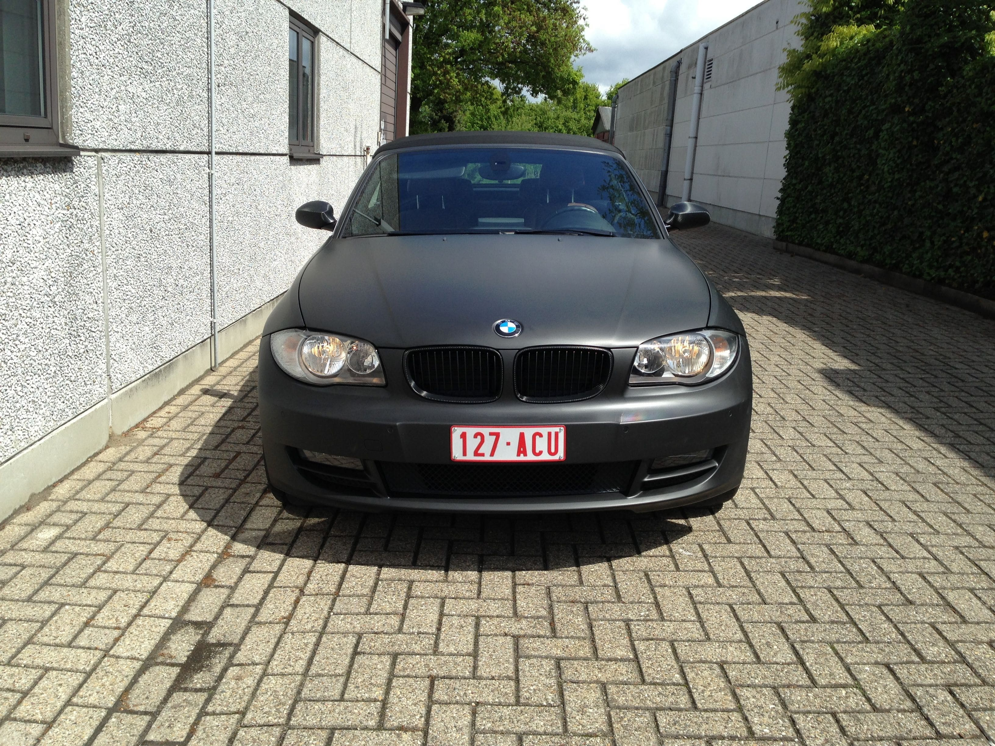 BMW 1 Serie Cabrio met Mat Zwarte Wrap, Carwrapping door Wrapmyride.nu Foto-nr:5193, ©2021