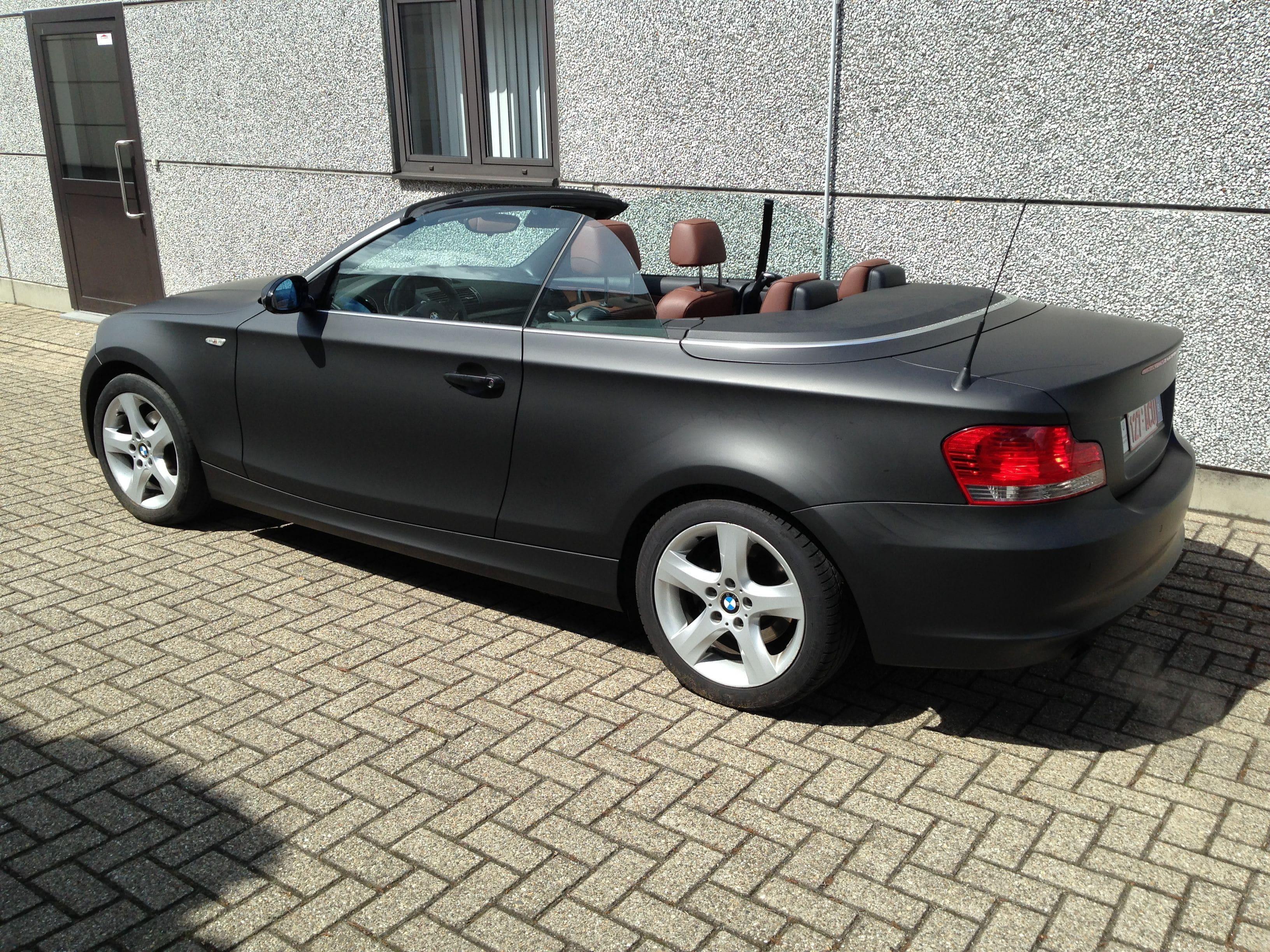 BMW 1 Serie Cabrio met Mat Zwarte Wrap, Carwrapping door Wrapmyride.nu Foto-nr:5197, ©2021