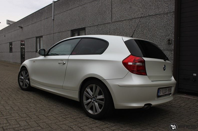 BMW 1-serie 3M Satin Pearl White, Carwrapping door Wrapmyride.nu Foto-nr:9051, ©2018