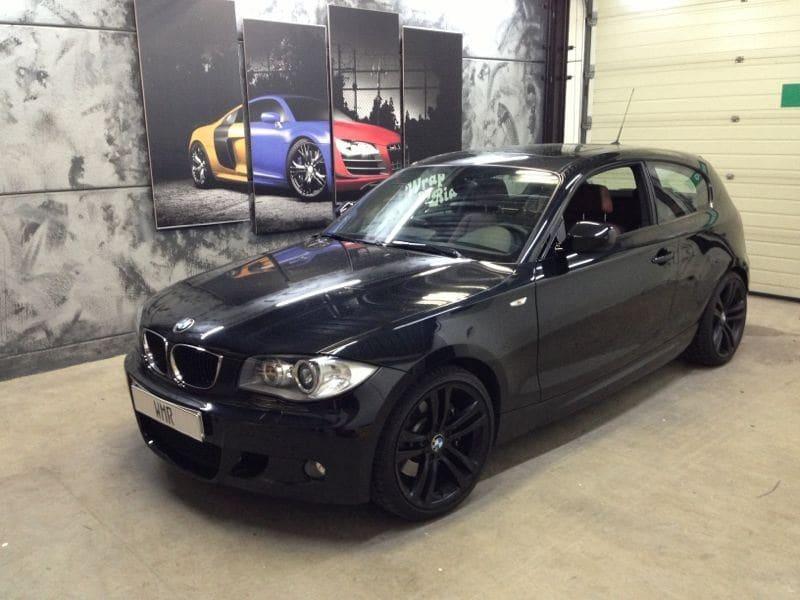 BMW 123 met Mat Zwarte Wrap, Carwrapping door Wrapmyride.nu Foto-nr:5270, ©2021