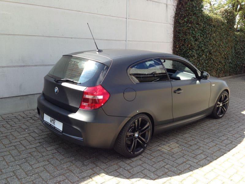BMW 123 met Mat Zwarte Wrap, Carwrapping door Wrapmyride.nu Foto-nr:5271, ©2021