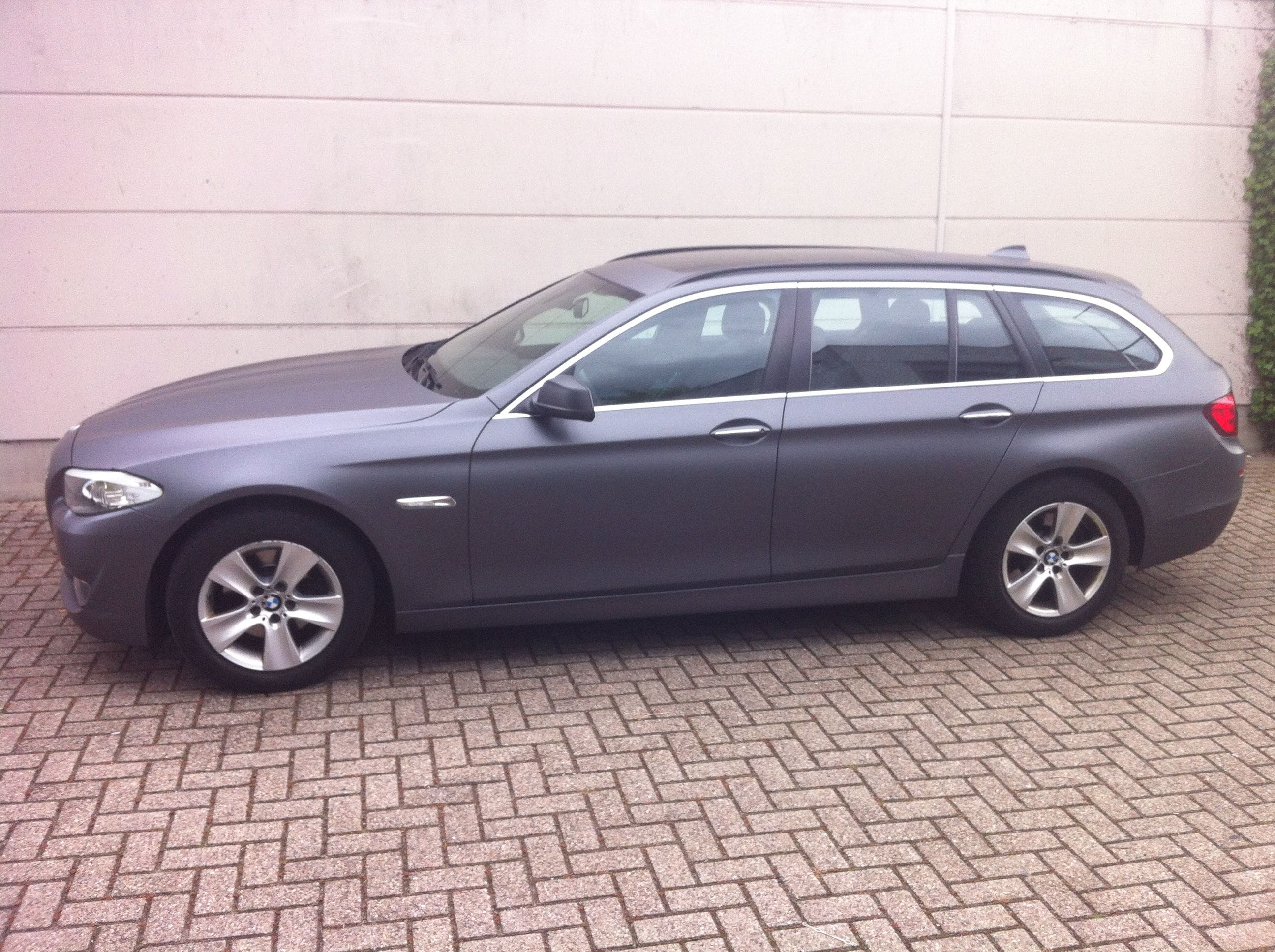 BMW 5 Serie met Gunpowder Wrap, Carwrapping door Wrapmyride.nu Foto-nr:5257, ©2021