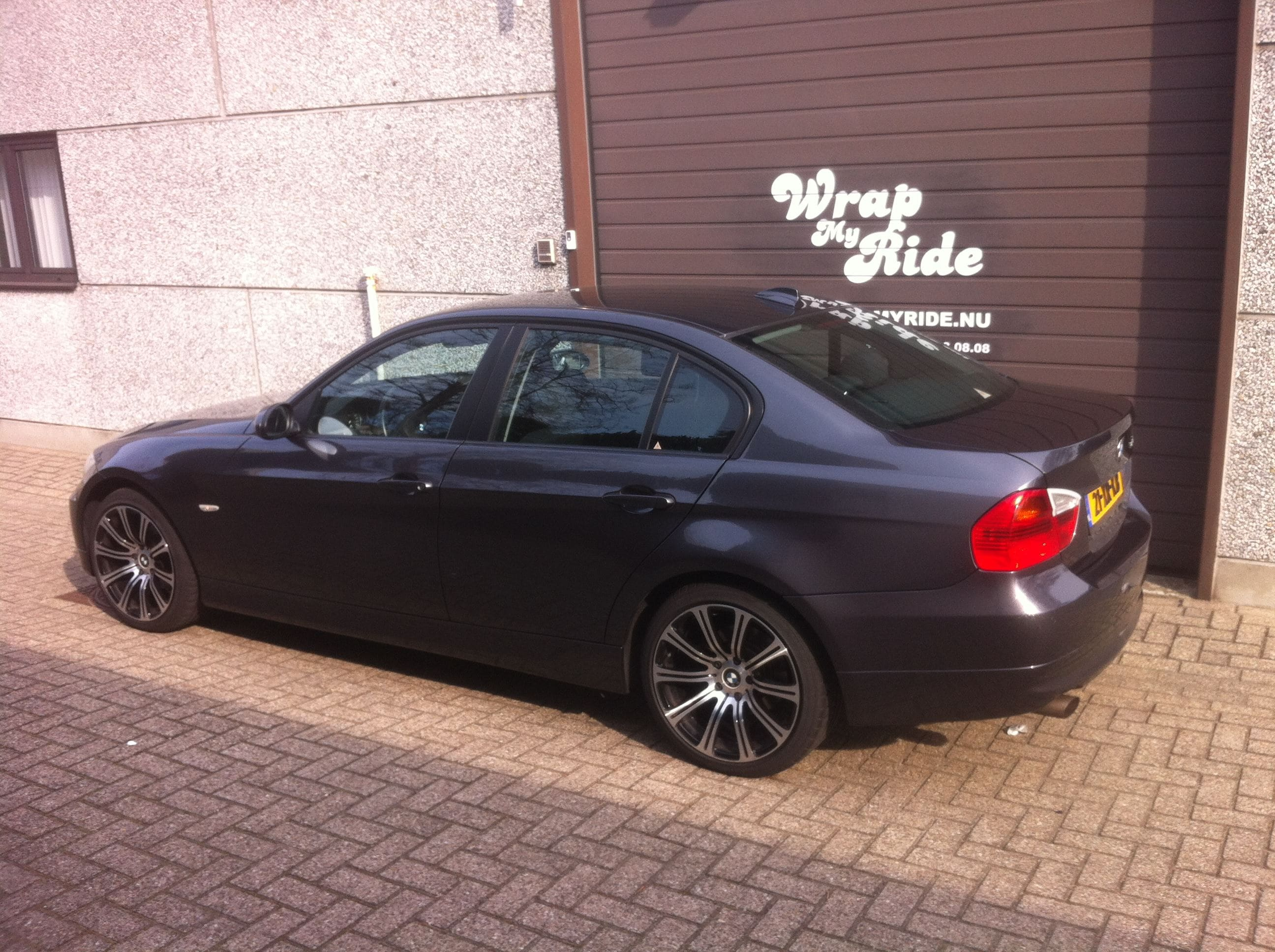 BMW E90 met Gunpowder Wrap, Carwrapping door Wrapmyride.nu Foto-nr:5368, ©2021