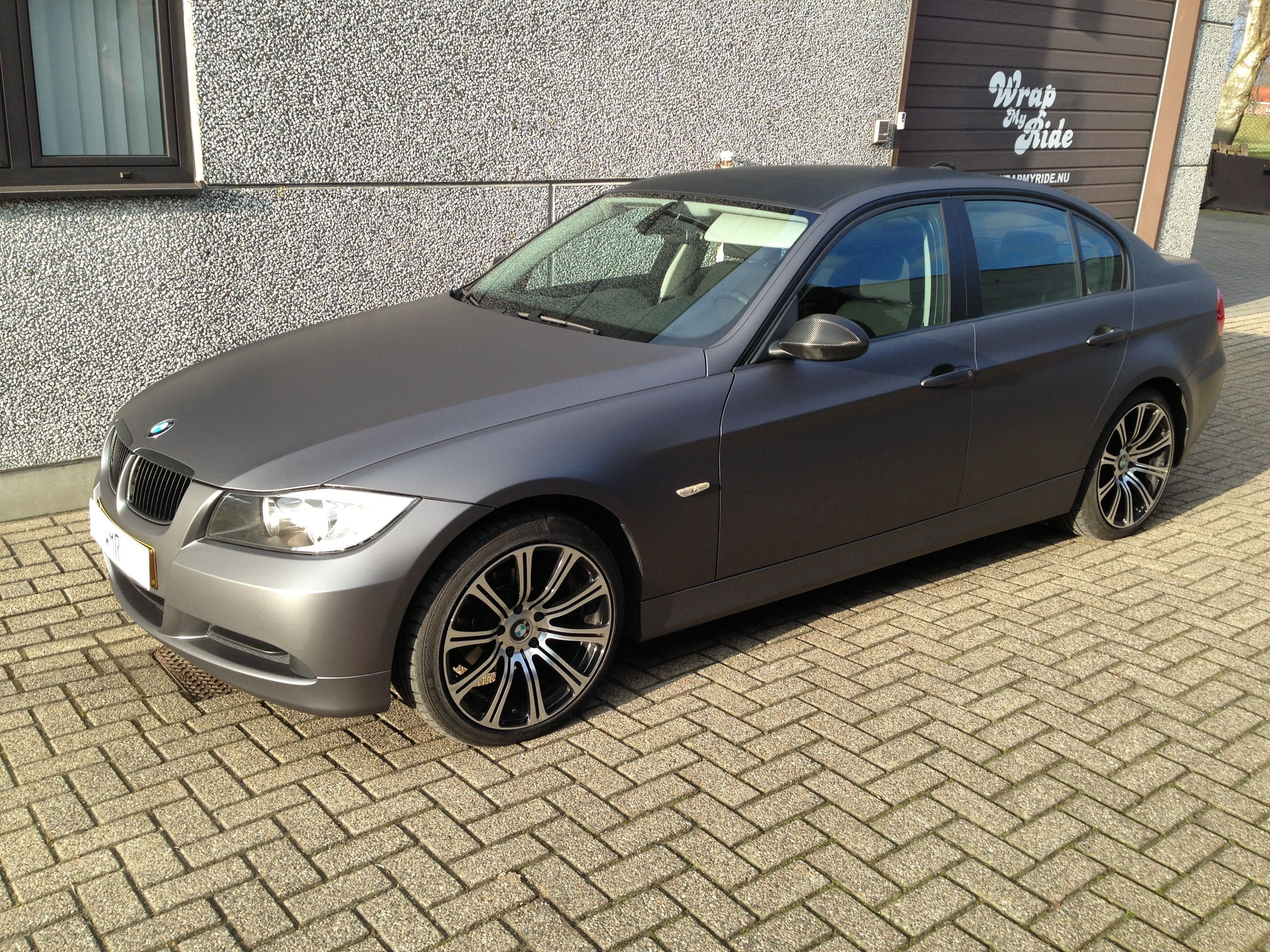 BMW E90 met Gunpowder Wrap, Carwrapping door Wrapmyride.nu Foto-nr:5377, ©2021