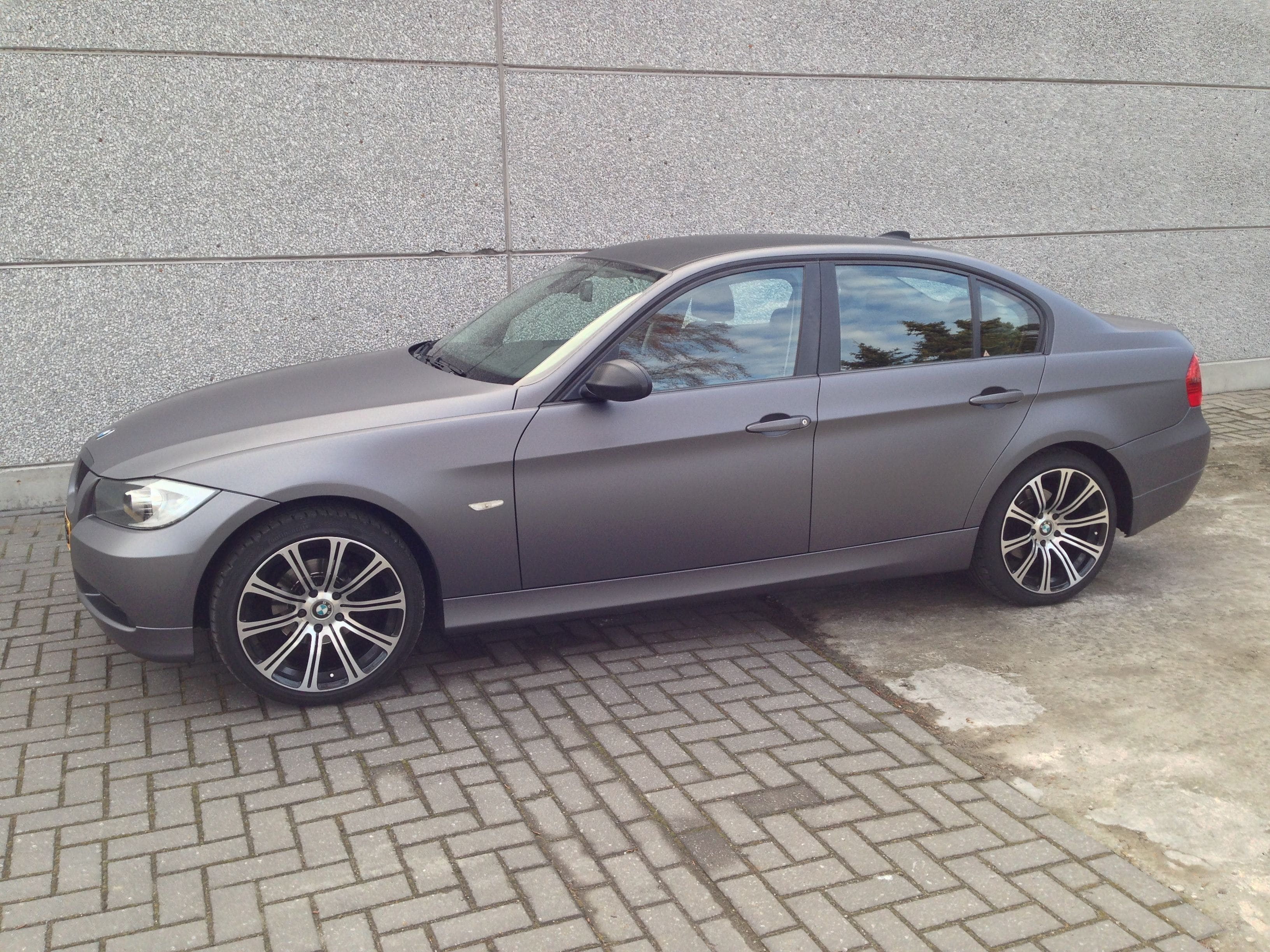 BMW E90 met Gunpowder Wrap, Carwrapping door Wrapmyride.nu Foto-nr:5392, ©2021