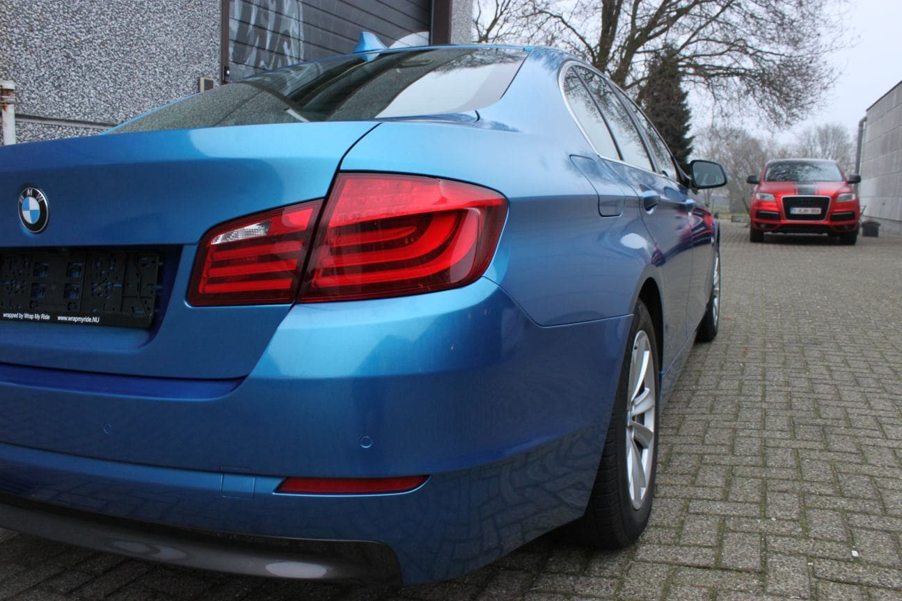 BMW F10 gloss bleu metallic, Carwrapping door Wrapmyride.nu Foto-nr:9510, ©2018