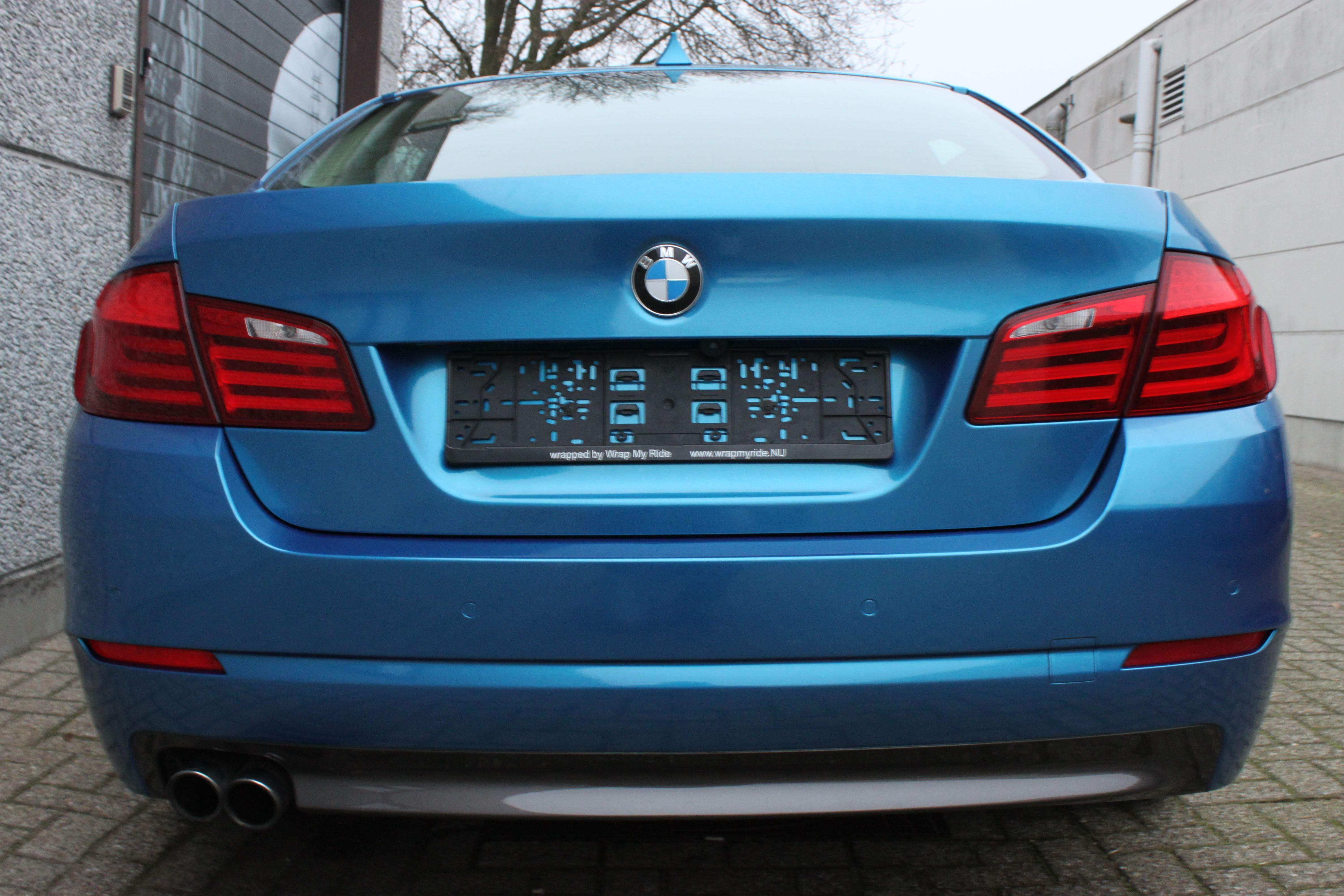 BMW F10 gloss bleu metallic, Carwrapping door Wrapmyride.nu Foto-nr:9509, ©2021