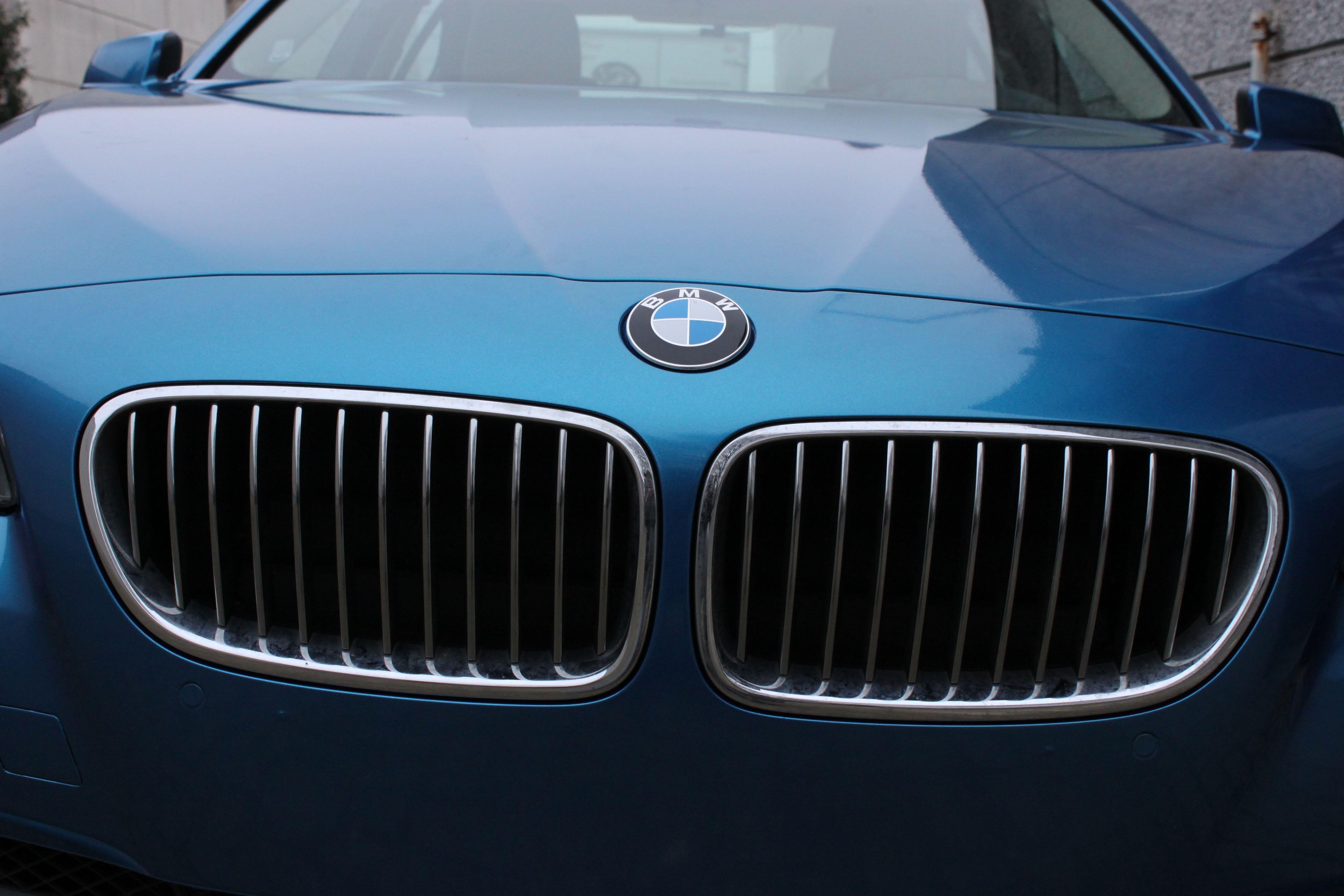 BMW F10 gloss bleu metallic, Carwrapping door Wrapmyride.nu Foto-nr:9502, ©2021