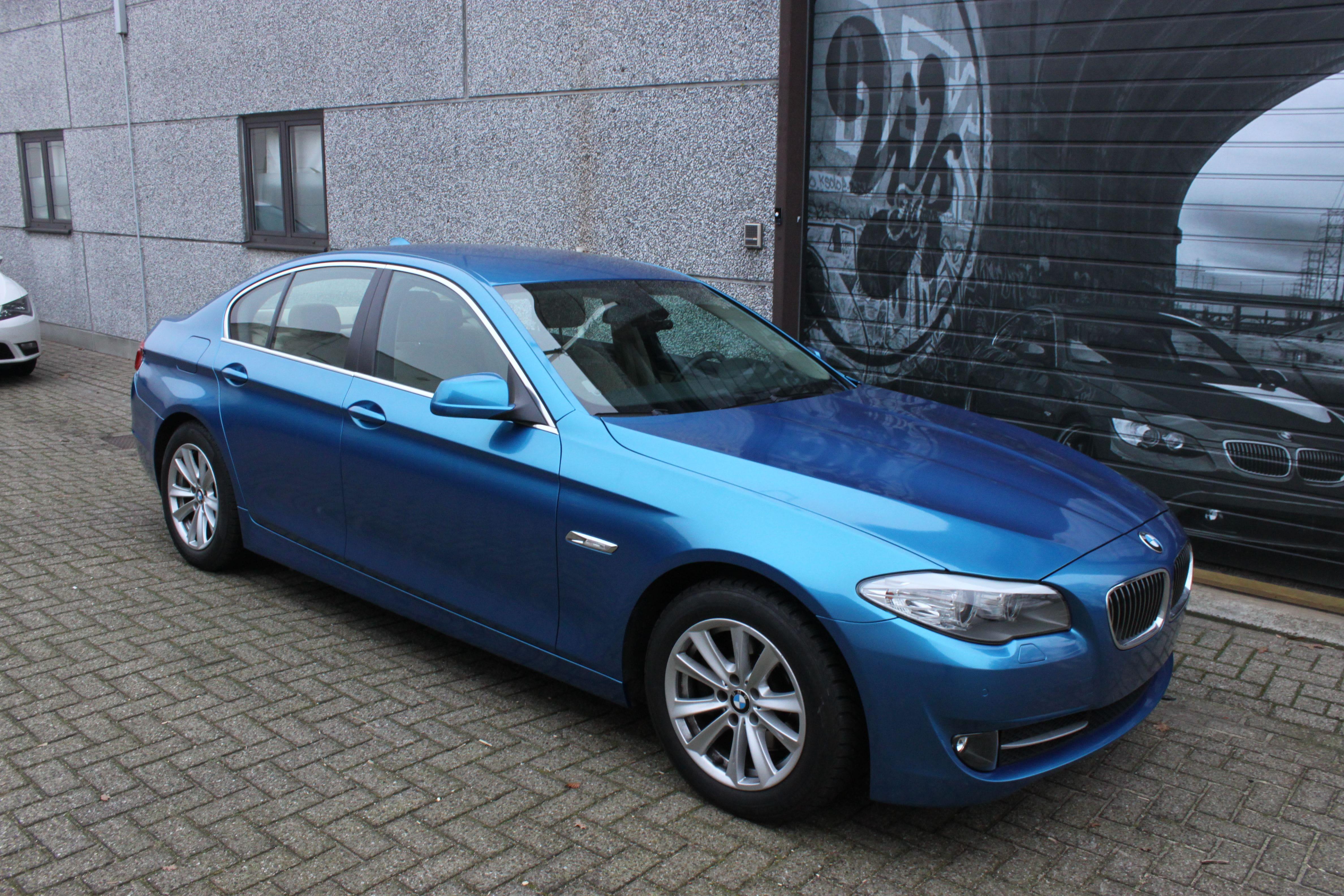 BMW F10 gloss bleu metallic, Carwrapping door Wrapmyride.nu Foto-nr:9499, ©2021