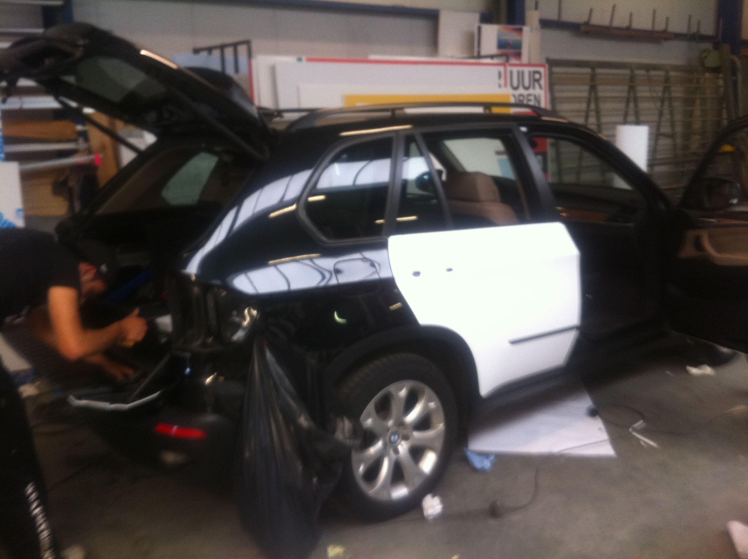 BMW X5 met een Mat Witte Wrap, Carwrapping door Wrapmyride.nu Foto-nr:5436, ©2020
