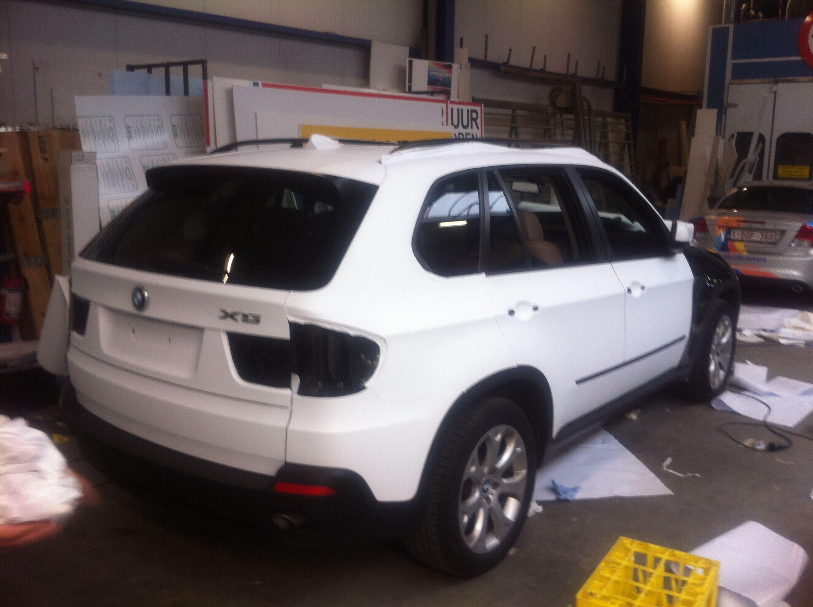 BMW X5 met een Mat Witte Wrap, Carwrapping door Wrapmyride.nu Foto-nr:5439, ©2020