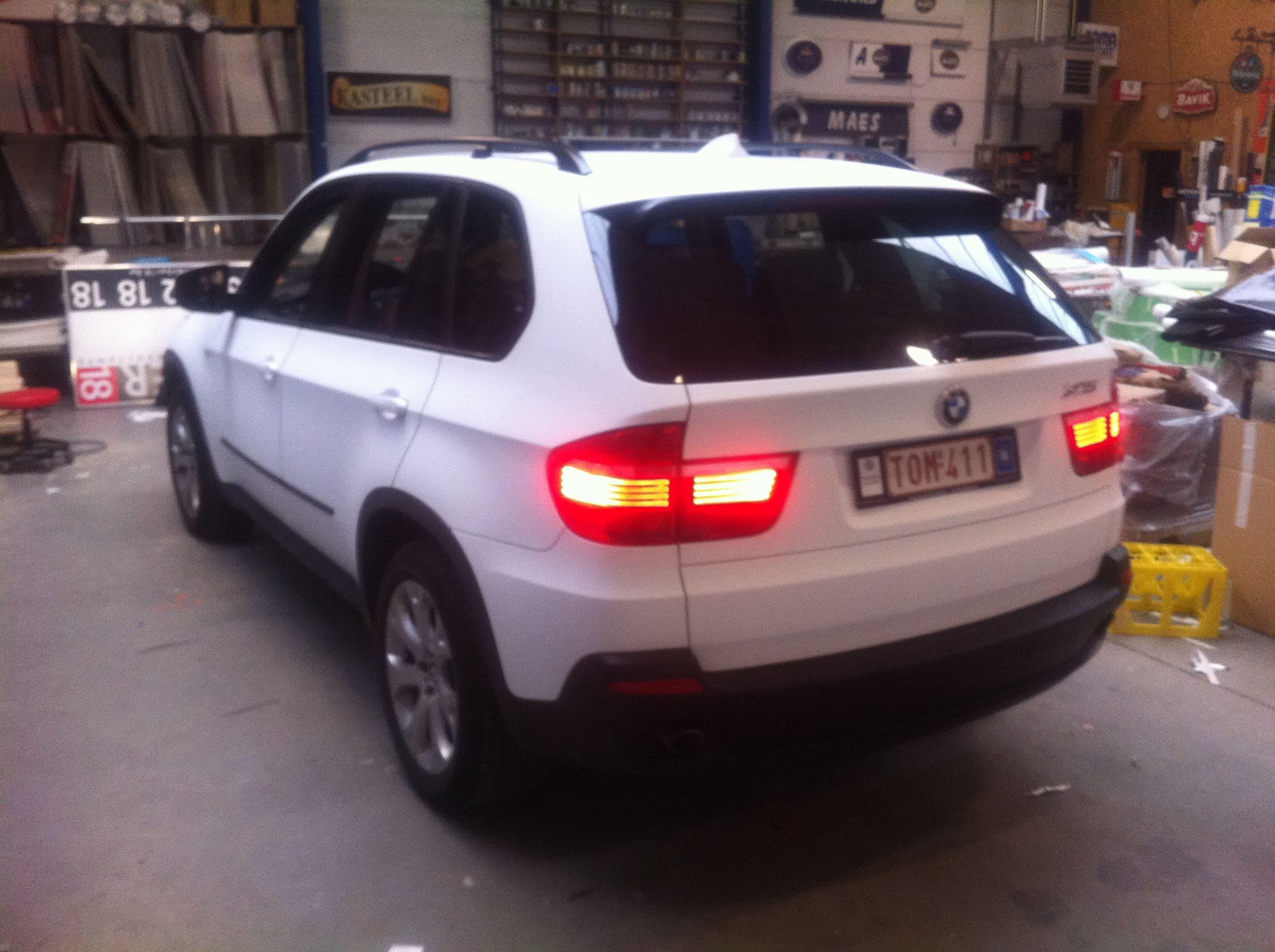 BMW X5 met een Mat Witte Wrap, Carwrapping door Wrapmyride.nu Foto-nr:5440, ©2020