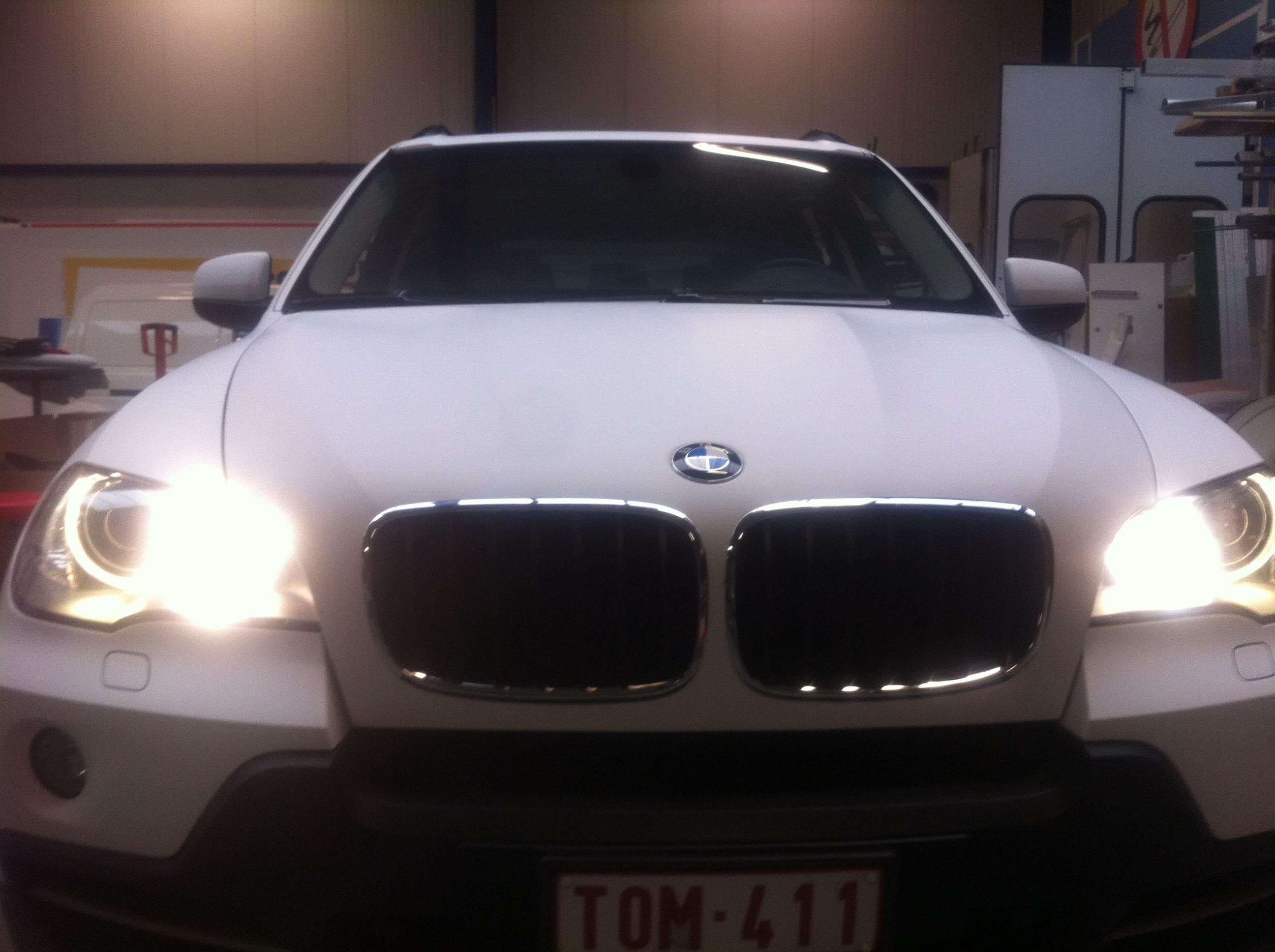 BMW X5 met een Mat Witte Wrap, Carwrapping door Wrapmyride.nu Foto-nr:5442, ©2020