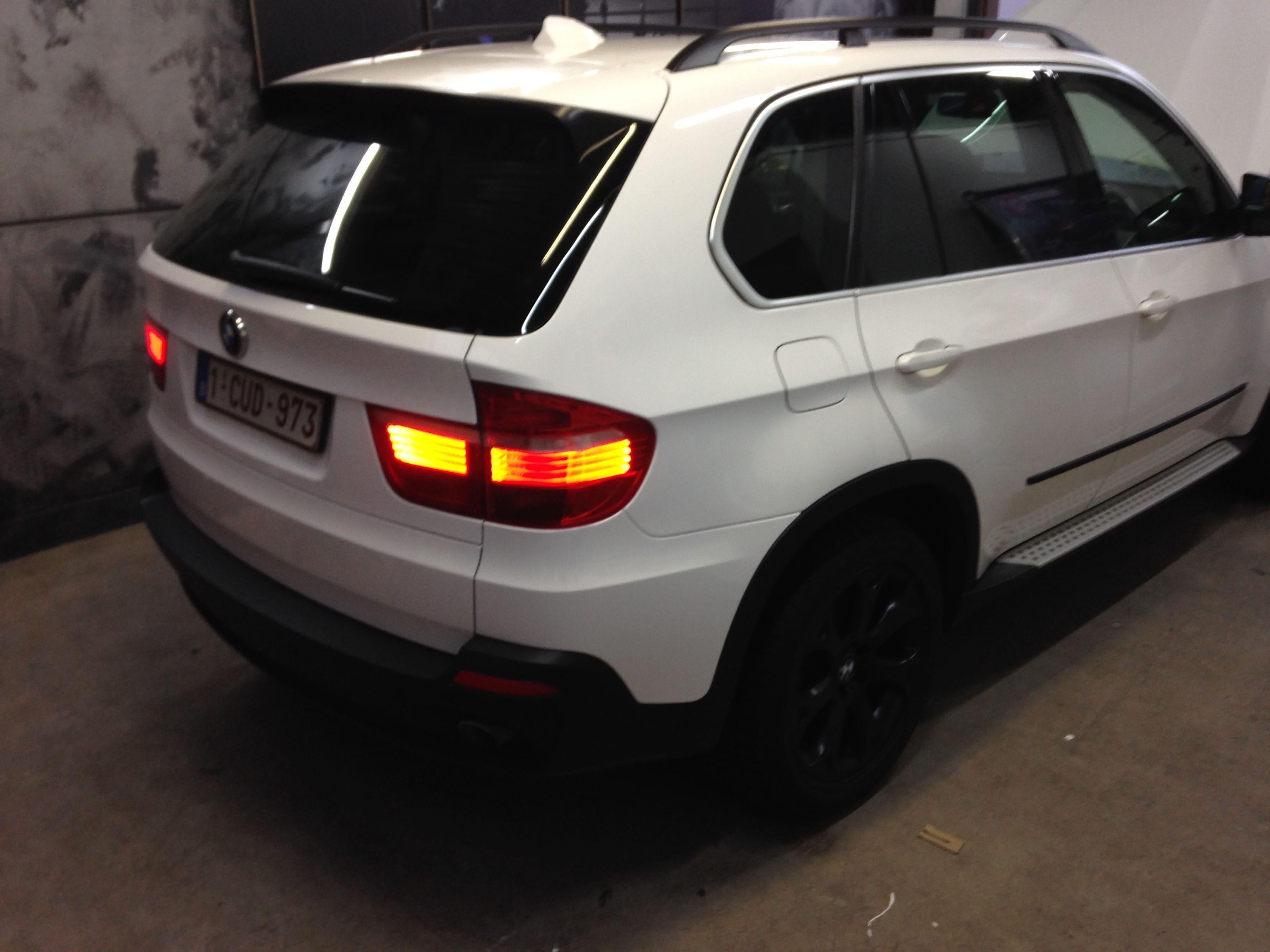 BMW X5 met Glossy White Wrap, Carwrapping door Wrapmyride.nu Foto-nr:5424, ©2021