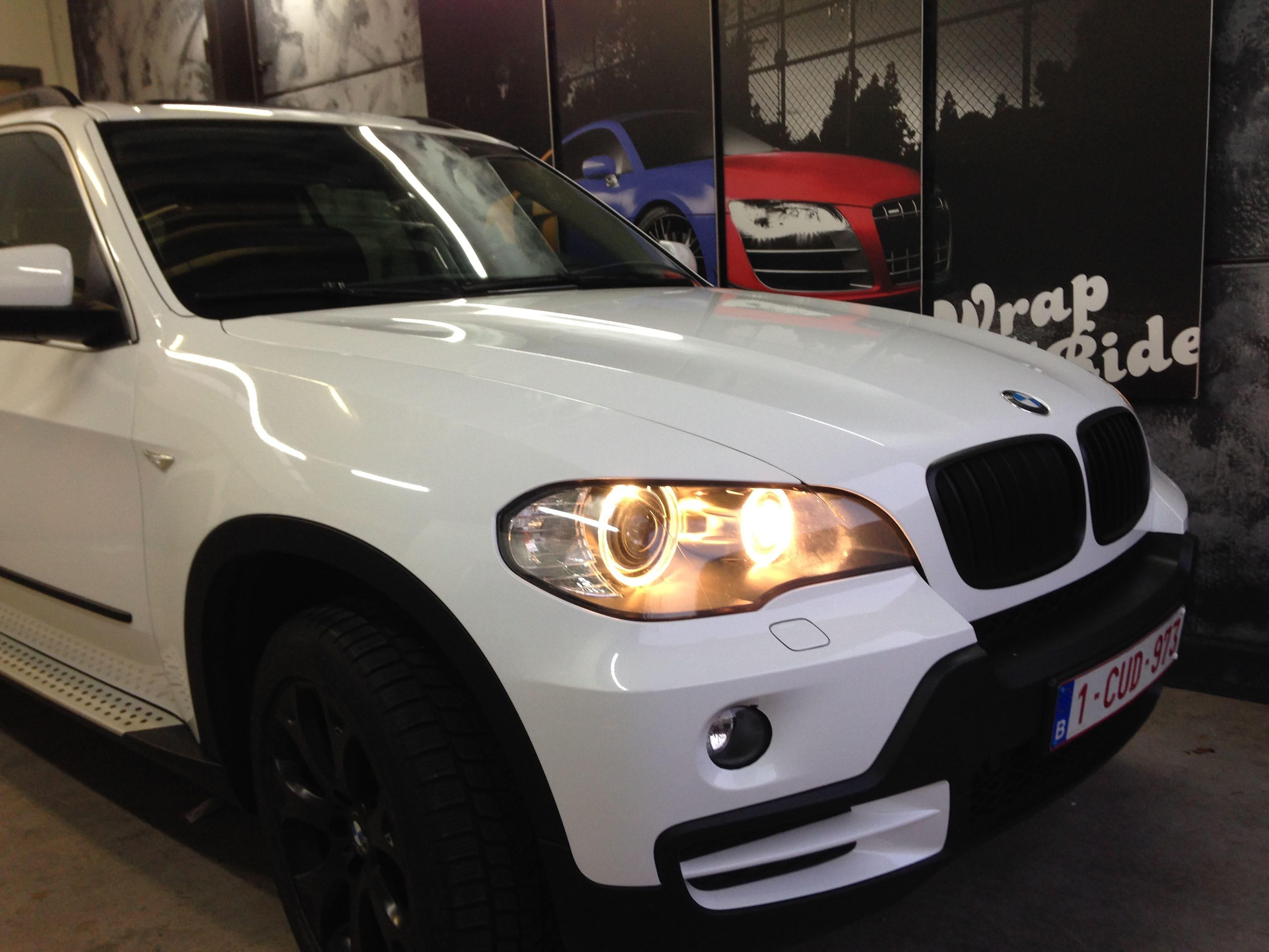 BMW X5 met Glossy White Wrap, Carwrapping door Wrapmyride.nu Foto-nr:5430, ©2021