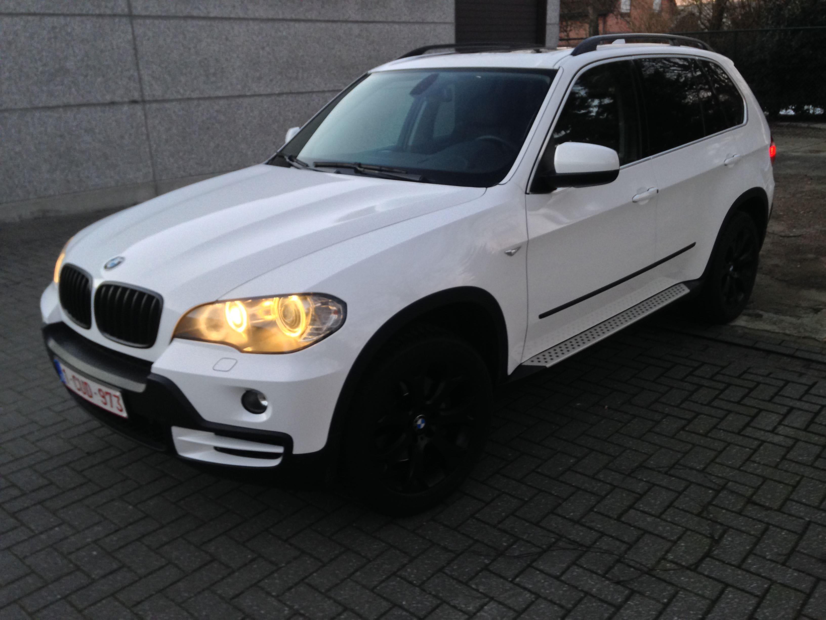BMW X5 met Glossy White Wrap, Carwrapping door Wrapmyride.nu Foto-nr:5433, ©2021