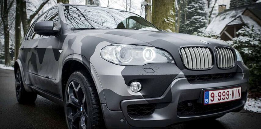 BMW X5 stealth camo wrap