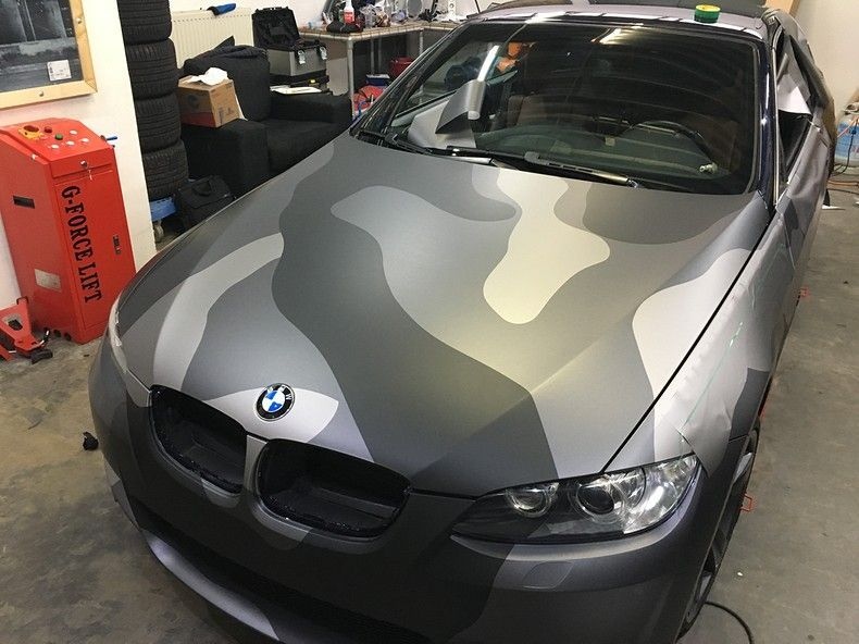 BMW 330 stealth camo wrap, Carwrapping door Wrapmyride.nu Foto-nr:11955, ©2018