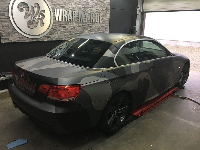 BMW 330 stealth camo wrap, Carwrapping door Wrapmyride.nu Foto-nr:11959, ©2018