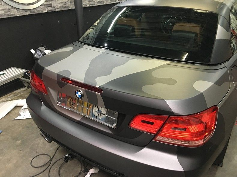 BMW 330 stealth camo wrap, Carwrapping door Wrapmyride.nu Foto-nr:11970, ©2018