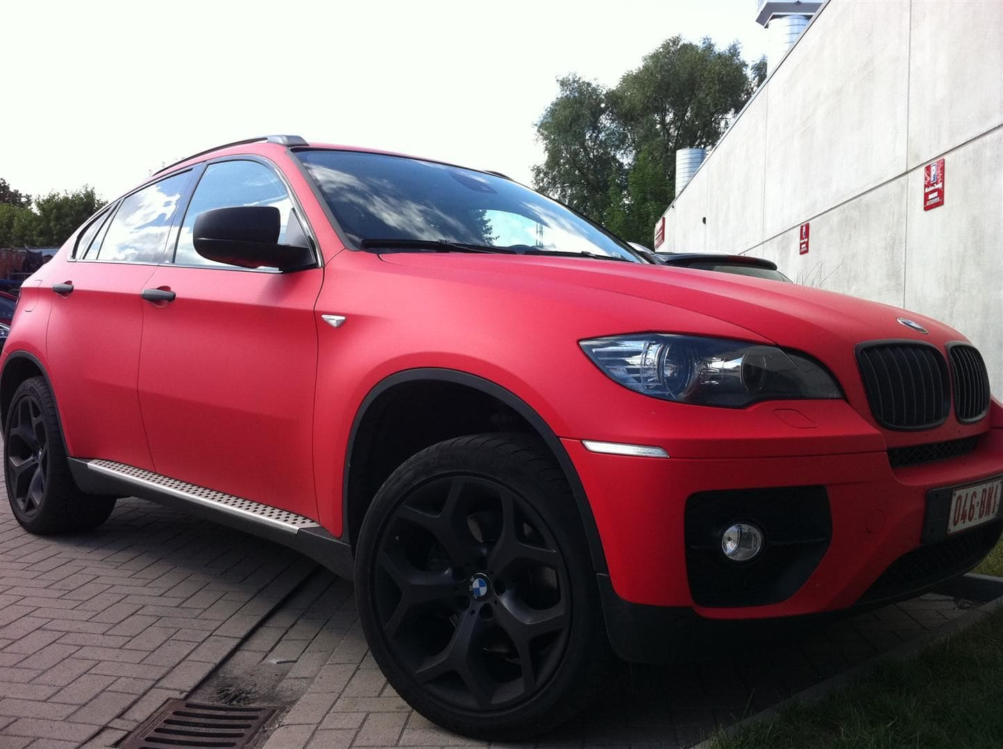 BMW X6 met Mat Rode Wrap, Carwrapping door Wrapmyride.nu Foto-nr:5454, ©2020